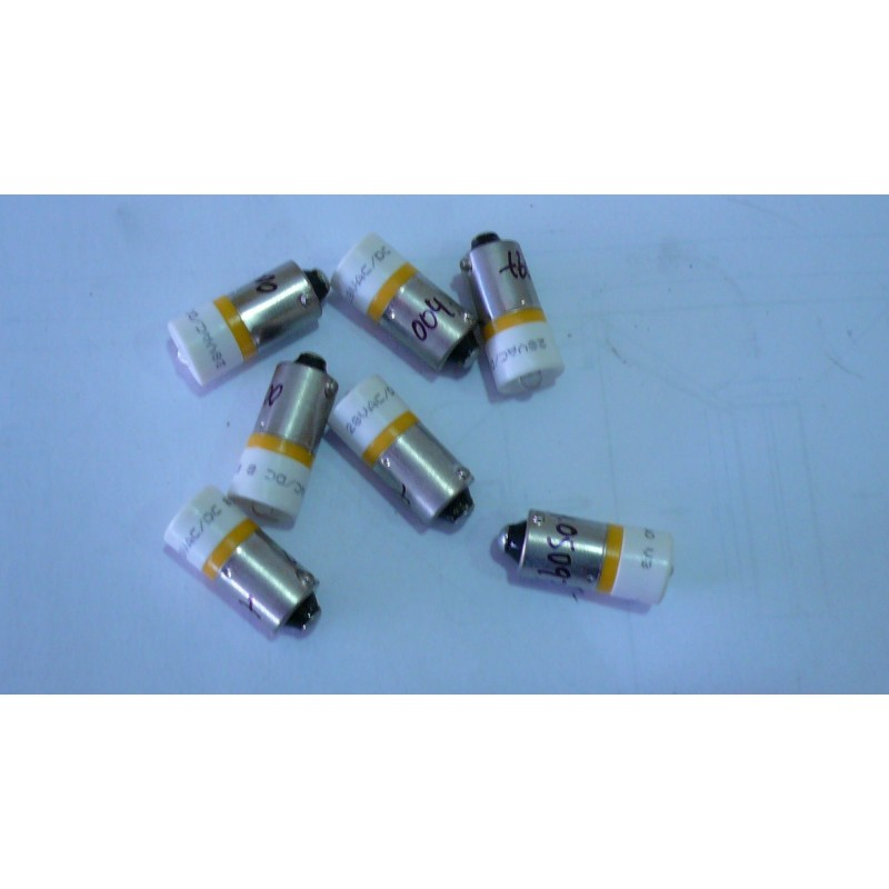 LAMPARA BA9 LED. COLOR AMBAR. 24-28VAC-CC